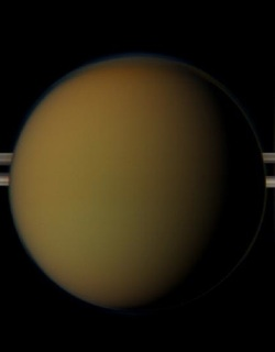 Tähdet ja avaruus: Titan-kuusta löytyi pinnanalainen valtameri